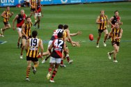 ball_is_in_dispute_in_hawthorn-essendon_afl_match